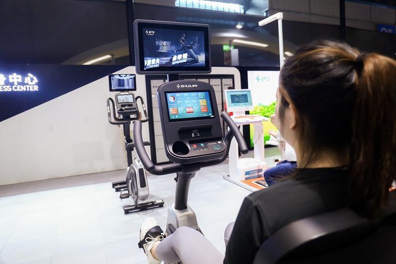 智能健身房运动器械