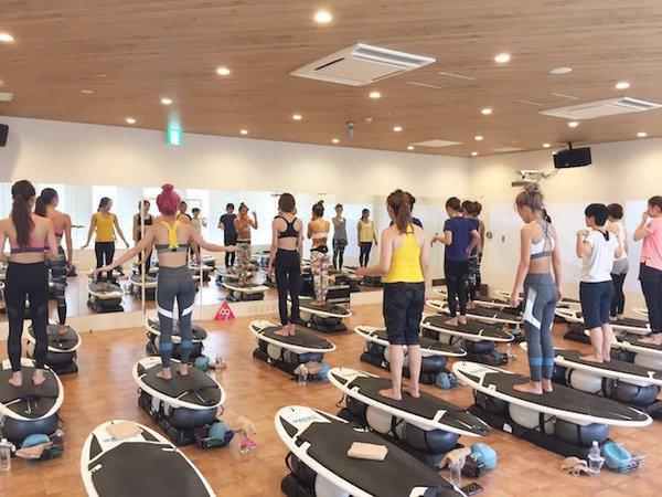 健身房训练冲浪