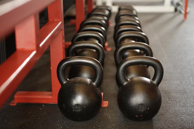 健身房训练设备壶铃